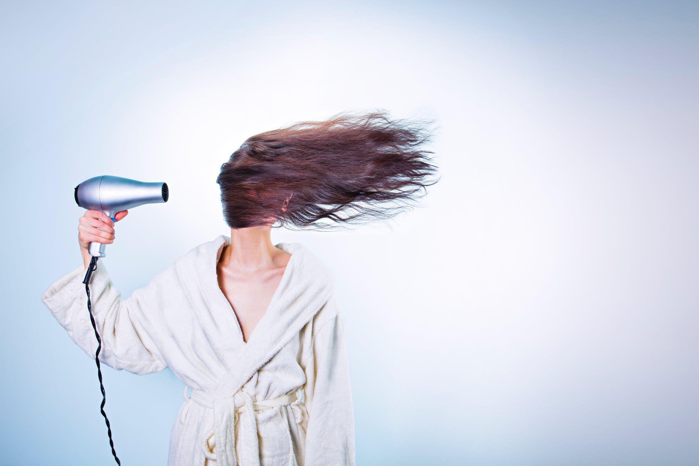 Jak správně vybrat vysoušeč vlasů?