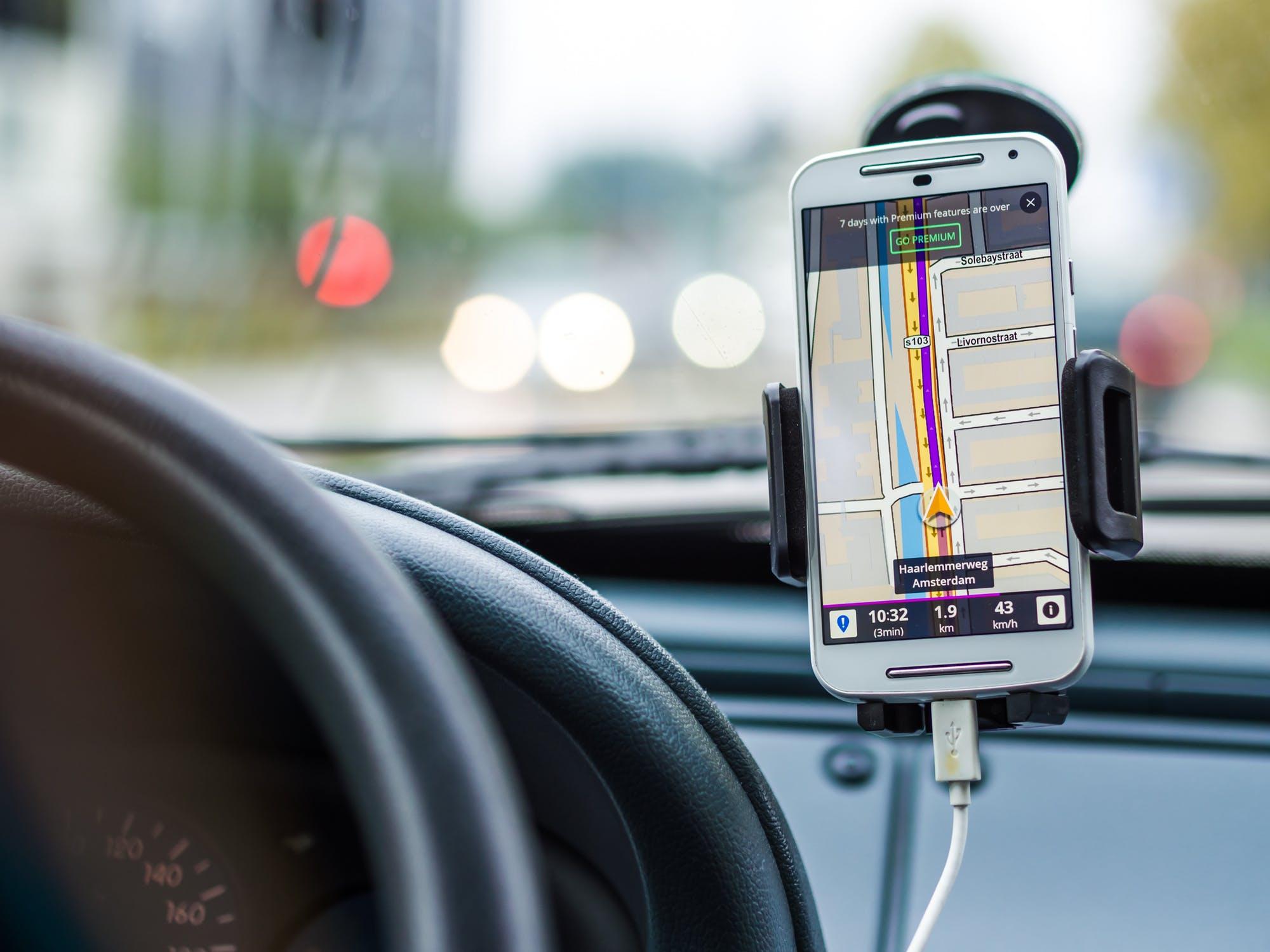 Navigace v mobilu – pár tipů na cesty