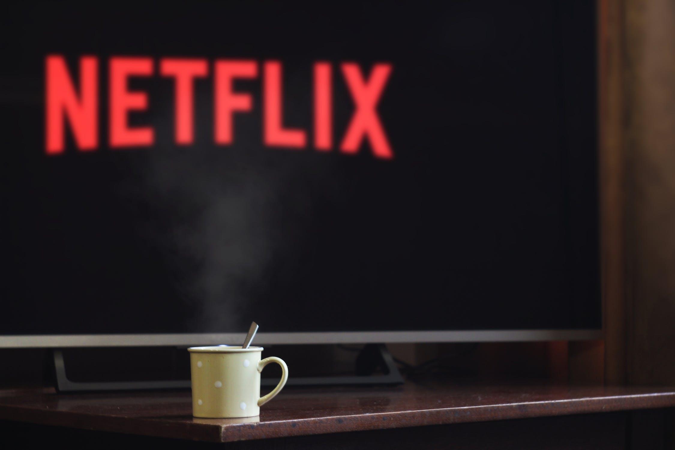 Oblíbené pořady a filmy bez reklam a kdykoli chcete? Víme, jak na to.